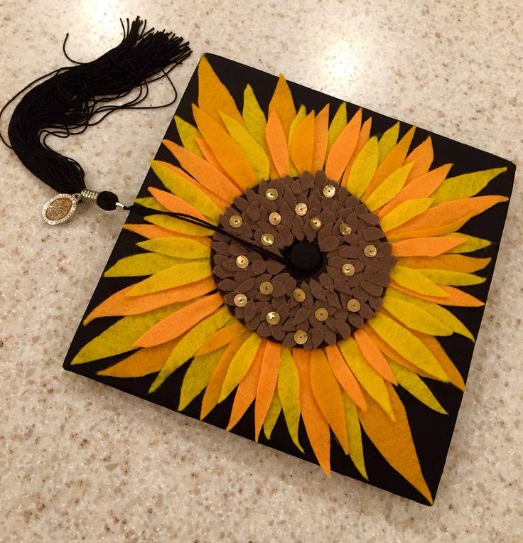 7980d8b8774ead074b4e15105592292b--graduation-cap-decoration-sunflower-high-school-graduation-cap-decoration-creative